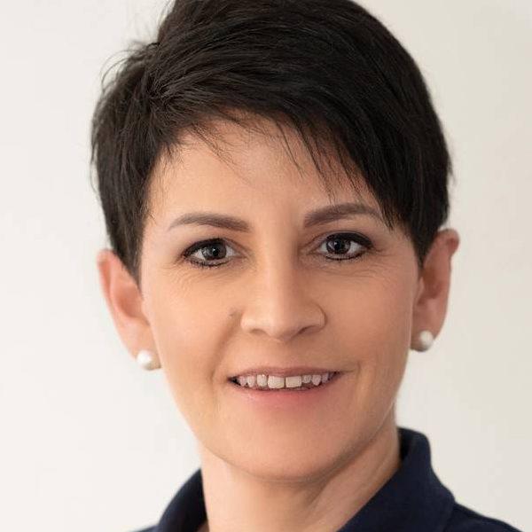 Anke Müller, MFA